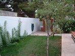 giardino posteriore casa