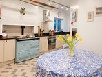 A beauitful kitchen for beautiful breakfasts