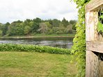 Direct access from the garden onto the river banks