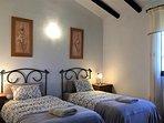 Slaapkamer 2, met twee éénpersoonsbedden