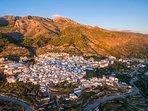 Het leuke dorp Canillas de Aceituno ligt op loopafstand van Casa Lobera