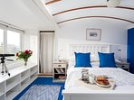 Light and airy double bedroom