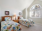 Twin Bedroom Shares Bath With Queen Bedroom