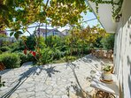 Villa with the pool and garden for rent, Trogir