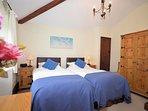 Zip-and-link twin bedroom