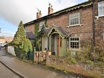 56125 Cottage situated in York