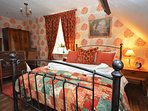 Double bedroom with addtional single