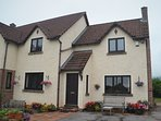 41906 Cottage situated in Bishops Lydeard (1ml N)
