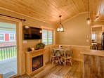 Enjoy the cozy and comfortable Cottage on the Creek