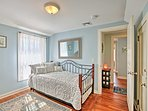 This room has a twin daybed with a twin trundle for 2.