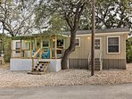 This Canyon Lake cottage is fantastic for couples!