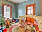 Your kids will like this first-floor room!