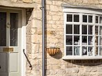Millers Cottage is a classic Cotswold stone cottage, in the heart of the lovely town of Winchcombe