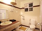 Attach bath to the 4th bedroom with free amenities