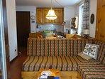 I divani del salotto, che si trasformano in letti
