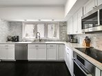 Gourmet Sub-Zero & Bosch kitchen, double dishwashers, well stocked with cooking utensils