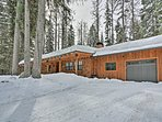 Discover the splendors of Payette Lake from this property!