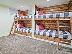 These custom-built bunks provide sleeping for 4.