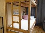 Chambre 1 / lit double 160 x 200 cm / 2 lits superposés 80x 200 cm