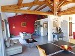 Espace séjour salon à disposition des chambres d' hôtes