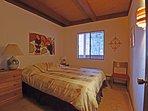 Additional guest bedroom, queen bed