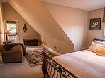 Guest bedroom two, queen bed