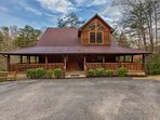 Welcome to Majestic Oak Lodge - Privacy & Plenty of Parking