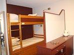 le coin-cabine (2 lits superposés)