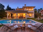 South orientated villa with pool and large garden