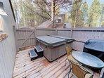 Sunriver Vacation Rental - Meadow House 4 -Hot tub