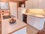 Sunriver-Vacation-Rental_27-Ranch-Cabin_Kitchen-1