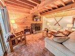 Sunriver-Vacation-Rental_27-Ranch-Cabin_Living-Room