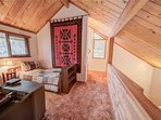 Sunriver-Vacation-Rental_27-Ranch-Cabin_Twin-Bedroomwith-Trundle-loft-2
