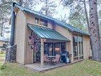 Sunriver-Vacation-Rental_27-Ranch-Cabin_Exterior-Back
