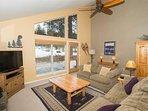 WEB-Sunriver-Vacation-Rentals-7-Whistler-Living-Room-05