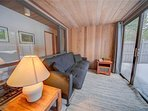 Sunriver-Vacation-Rental-Meadow-House-70-Sunroom