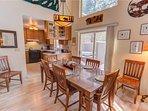 Sunriver Vacation Rental-6 Big Leaf-Dining Room 1