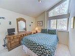 Sunriver Vacation Rental-6 Big Leaf-Third Queen Bed