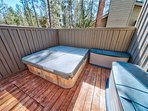 Sunriver-Vacation-Rental_14-Goldfinch_Hot-Tub