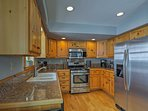 There's no limit to what you can create in the fully equipped kitchen!