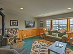 Enjoy Truckee mountain bliss from this updated vacation rental house!
