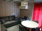 Salon / séjour avec télévision 55 cm et WIFI gratuit