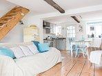 Open plan living room + kitchen