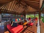 Villa Shinta Dewi - Upstairs living area