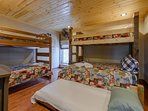 Twin over Twin, and Twin over Queen with Twin Trundle - sleeps 6