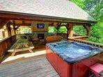 Stettin Haus hot tub on deck