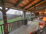 Rustic Elegance, Privacy, Comfortable Covered Porch Off With Views
