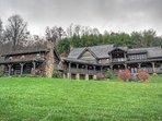 Johnson`s Lodge, Private Setting, Authentic Antique Log Cabin