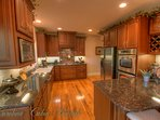21 Linville Ridge Spacious Upscale Kitchen, Granite, Stainless, Open to Living and Dining