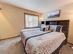 Sunriver-Vacation-Rental-21-White-Elm--Bedroom-1